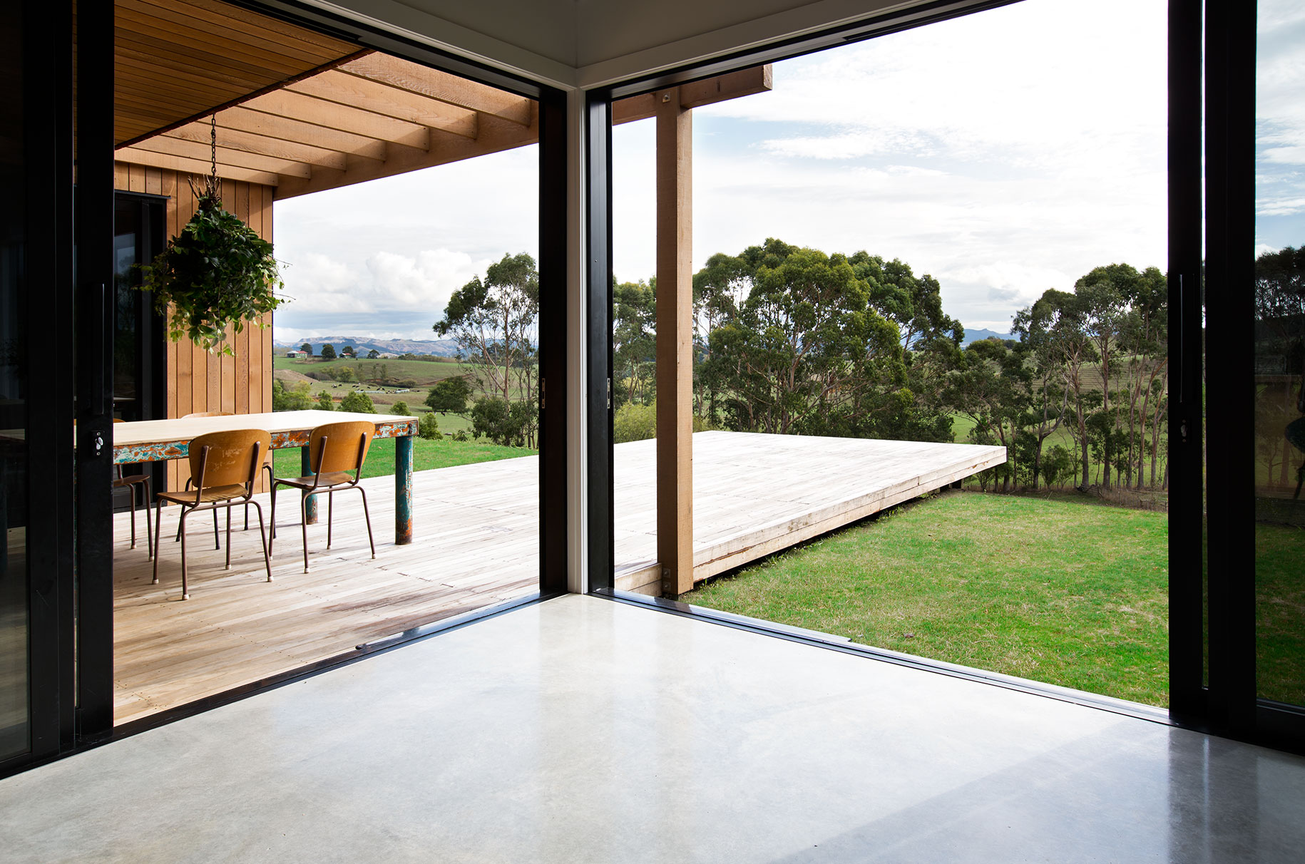 Modern Barn Form | Red Architecture